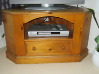 Pine TV Corner Unit - Immaculate condition