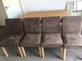 Dinning kitten table and 4 chairs £30