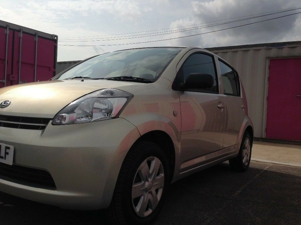 2007 Daihatsu Siron 12 month mot £30 for 12 month 5 door hatchback £1299