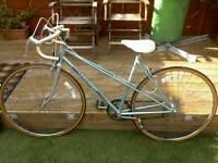 Ladies vintage 80s peugeot road bike