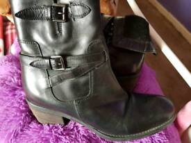 Clarks black boots size 7