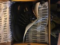 Size 10 Dewalt work boots steel toe