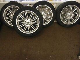 V w 18 inch alloys wheels
