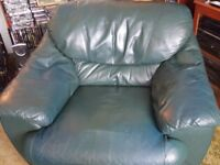 Leather 3 Seater Sofa & 2 Armchairs