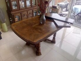 Used solid extendable wood dining table & 5 chairs