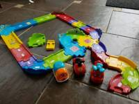 Spare toot toot track and vehicles