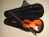 Antoni ACV 32 debut violin 1/2 size with bow and case