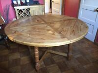 Beautiful Mexican pine table