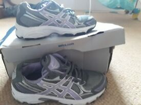 Size 3 aasics trainers new