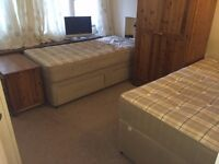 ***Roehampton-SPACIOUS TWIN ROOM-WIFI-WITH OWN BALCONY (ALL BILLS INC.)***