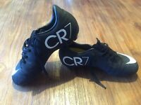 Football boots CR7 size 13 junior great condition