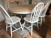 REDUCED - Extending Shabby Chic Oak Table and 6 Chairs