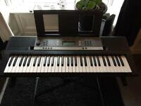 Yamaha YPT-240 (like new !) with stand