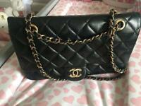 CC Black leather quilted handbag on the chain gold details