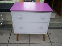 TO CLEAR-QWERKY CHEST OF DRAWERS- £9.00