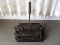 VINTAGE COLLECTABLE DRY MOUNTING PRESS BY THE ADHESIVE DRY MOUNTING CO LONDON DRY MOUNTING PRESS