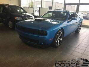 2016 Dodge Challenger R/T. Bluetooth, sunroof.