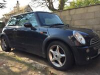 Black Mini Cooper 1.6cc Leather seats 05 REG only £1900