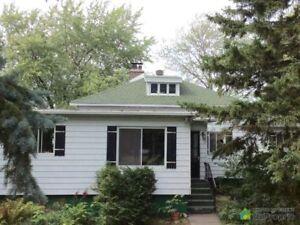 1 250 000$ - Maison à un étage et demi à vendre à Varennes