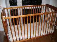 Cot Bed Baby Cot with drop sides