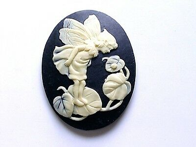 40X30  FAIRY WATCHING LADYBUG CAMEO CREME ON BLACK 2