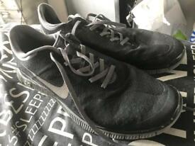 Men's size 11 uk Nike free run trainers fairly worn