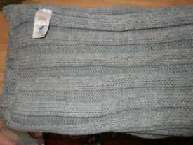 ladies grey thick winter scarf