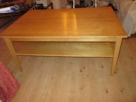 Pine coffee table (Large)