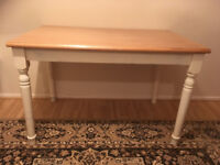 PINE SHABBY CHIC TABLE - IN VERY GOOD CONDITION