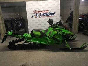 2017 arctic cat M8 M8000 Mountain Cat 3.0 Saguenay Saguenay-Lac-Saint-Jean image 1