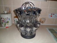 Large spice rack in very good condition