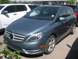 2013 Mercedes-Benz B-Class Sports Tourer/ HTD Seats/ Sunroof*Com