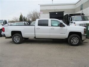 2015 Chevrolet SILVERADO 3500HD crew cab 4x4 long box diesel