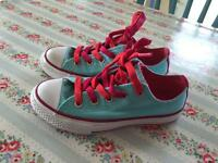 Girls size 11 converse trainers (brand new)