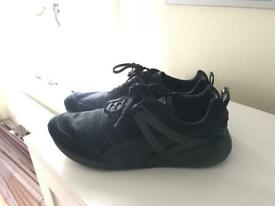 Men's size 10 / 44.5 puma trainers