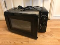 700w Black Microwave (BARELY USED, LIKE NEW)