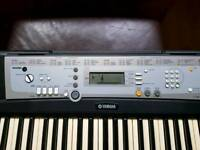 Yamaha par e203 keyboard with kingsman stand