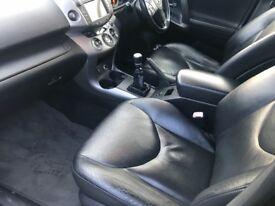 Toyota RAV4 56reg top of range model full lthr+sat nav+S/steps+sunroof