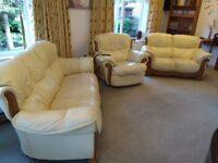 Quality leather suite with electric recliner chair, 2 and 3 seat settees. I can arrange DELIVERY