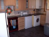 Luxury large two bedroom flat – fully furnished, gas heating, central Dundee.