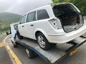 Vauxhall Astra h estate breaking parts