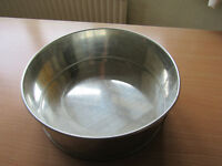 Large cake tin - wedding cake bottom layer size, used once
