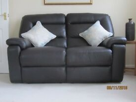 All electric 3 Piece reclining leather suite excellent condition. Brown leather