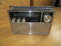 Vintage 60's Solid State Philco Ford QT-96BK
