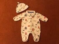 JoJo Maman Bebe 2 piece Peter rabbit London baby sleepsuit & hat size newborn