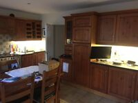 Kitchen Units for sale - £20 per unit - large number of units in various sizes and conditions
