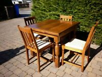 Vintage (1930s) oak kitchen/dining table with 4 matching chairs