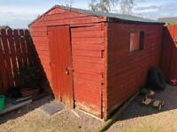 GARDEN SHED 10 x 8 NEEDS BIT ATTENTION QUICK SALE