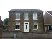 Detached 3 Bed Furnished House To Let with Beautiful Mature Garden