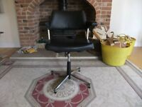 VINTAGE SWIVEL OFFICE CHAIR 1950'S UPHOLSTERED IN IT'S ORIGINAL VINYL IN GOOD CONDITION £40